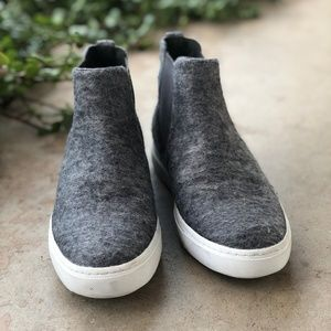 a5bdad5044bf Vince Shoes - Vince Gray Wool High Top Slip On Sneakers